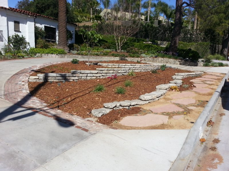 step 6 hermosa walkway is complete and front yard is mulched with